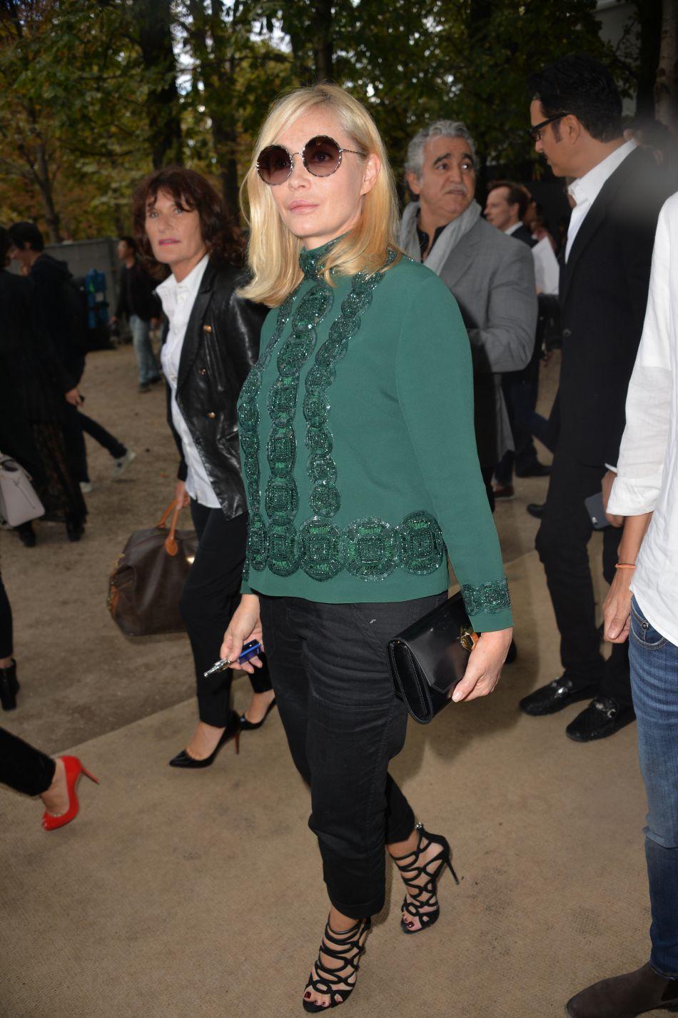 L'actrice Emmanuelle Béart à la Fashion Week parisienne, le 1er octobre 2016.