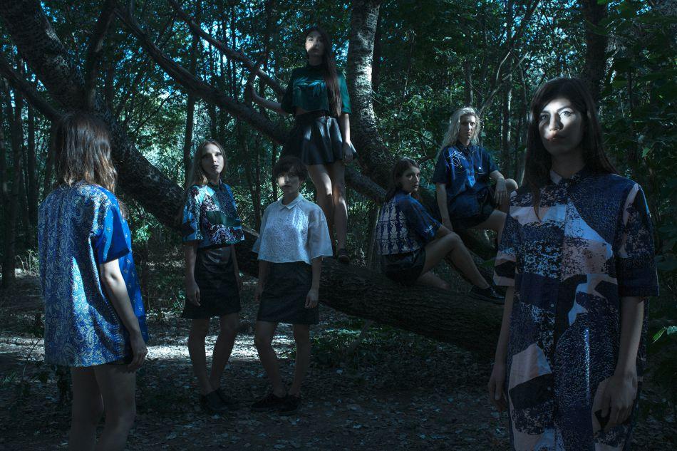 Les nouvelles chemises de la collection Rosi Mistou sont simplement éblouissantes.