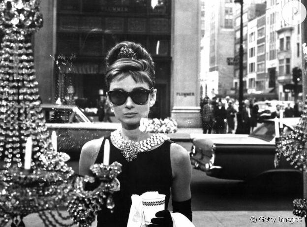 """Audrey Hepburn dans """"Diamants sur canapé""""."""