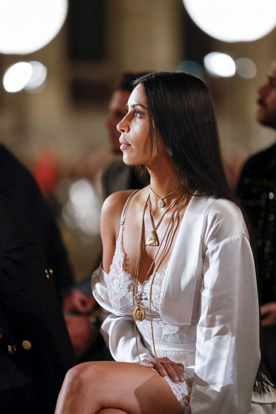 Elle séjournait dans un hôtel particulier à l'occasion de la Fashion Week parisienne.