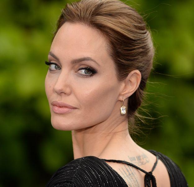 Angelina Jolie se montre pour la première fois après l'annonce de son divorce avec Brad Pitt.