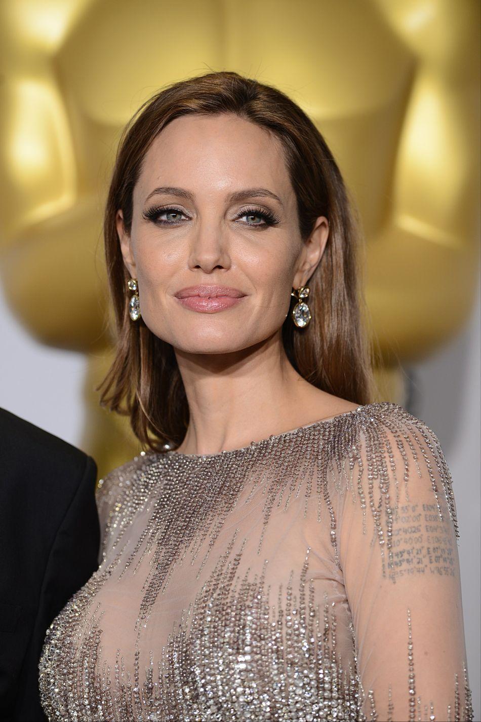 L'actrice apparaît dans une vidéo pour dénoncer les violences faites aux enfants dans le monde.