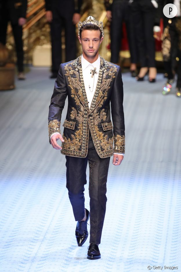 Cameron Dallas défile pour Dolce & Gabbana.
