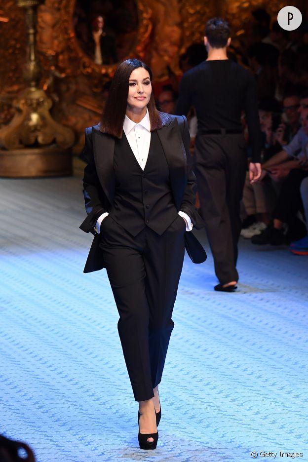 Monica Bellucci défilé pour Dolce & Gabbana.