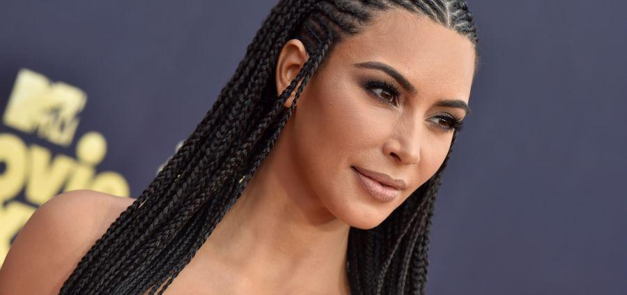 Kim Kardashian répond aux accusations d'appropriation culturelle
