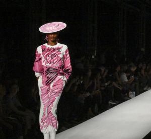 Collants gribouillés, cool 80's, combi transparente : le rêve fou de Moschino