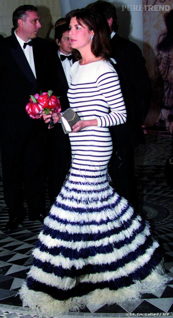 S.A.R. la Princesse de Hanovre habillée par Jean Paul Gaultier à l'occasion du Bal de la Rose 2000