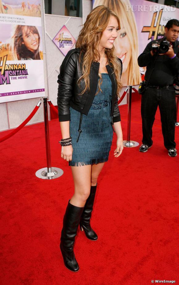 Miley Cyrus en [brand=4294719719]BCBG Max Azria[/brand] lors de la première américaine d'Hannah Montana.