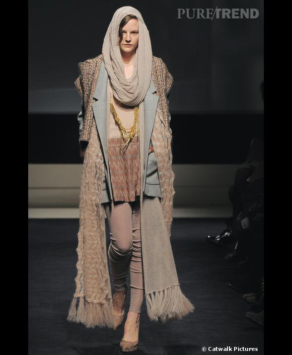 [brand=1468]Missoni[/brand] , sans concession. Ici, tout est pastel de la tête aux pieds. Une tenue hivernale qui donne déjà envie d'y être tant elle évoque un véritable cocon de douceur.