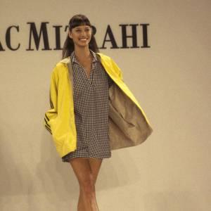 Fraicheur et sourire sont les signatures de Christy, ici au défilé[brand=4294719416] Isaac Mizrahi [/brand] dans les années 90.