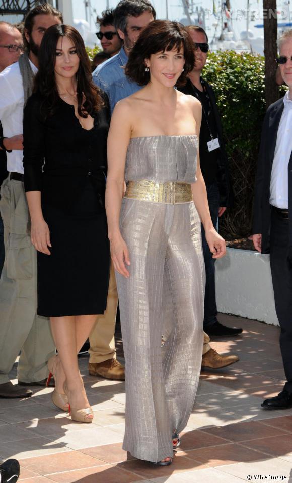 Au festival de Cannes, [people=2478]Sophie Marceau[/people] a irradié l'assemblée dans sa combinaison lamée signée [brand=1468]Missoni[/brand] .
