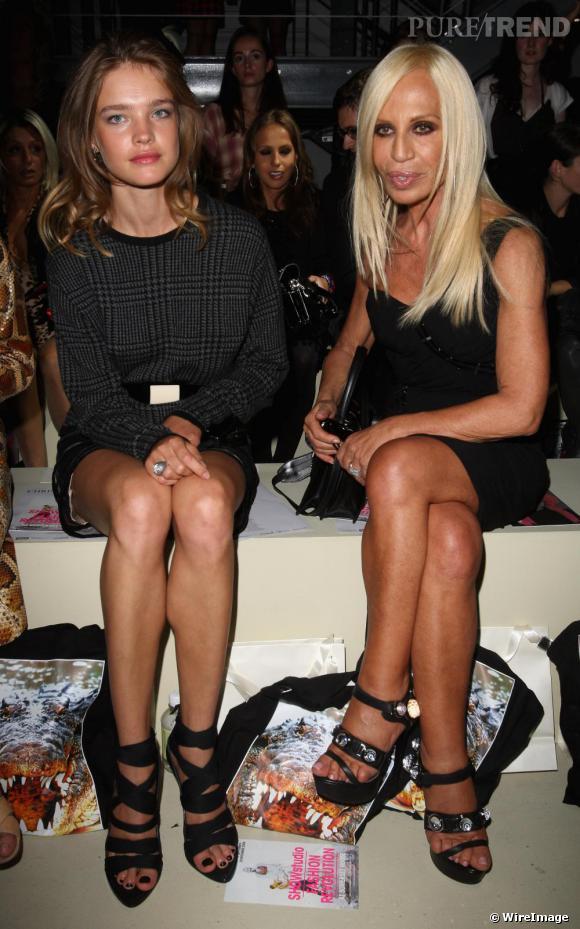 Avec le top Natalia Vodianova et la créatrice Donatella Versace, Christopher Kane avait certainement le premier rang le plus mode et couture de la Fashion Week de Londres.