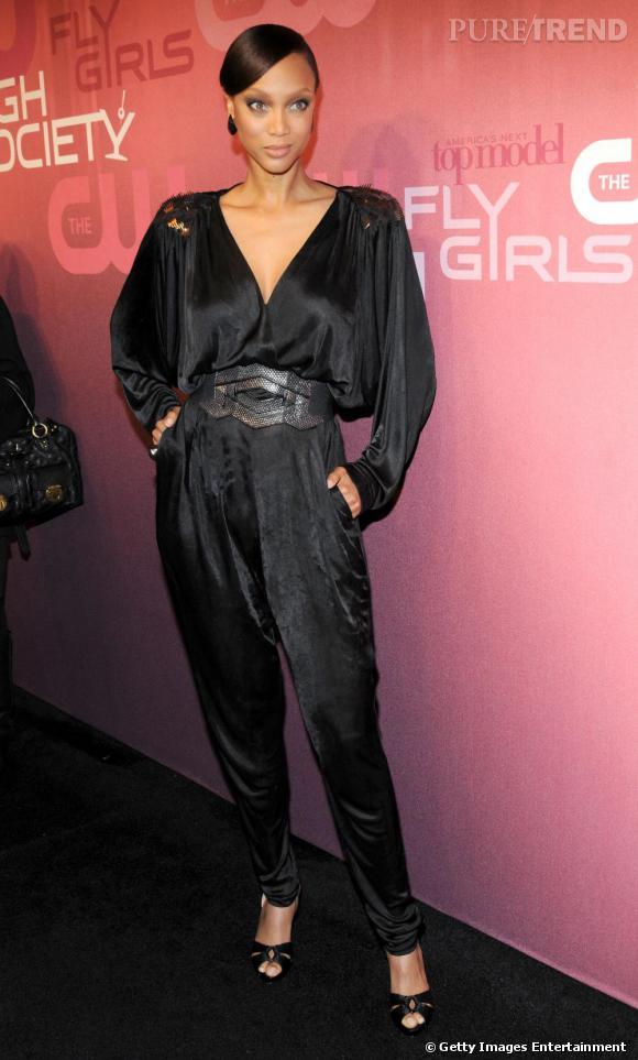Tyra Banks ose la combi-pantalon, on adore !