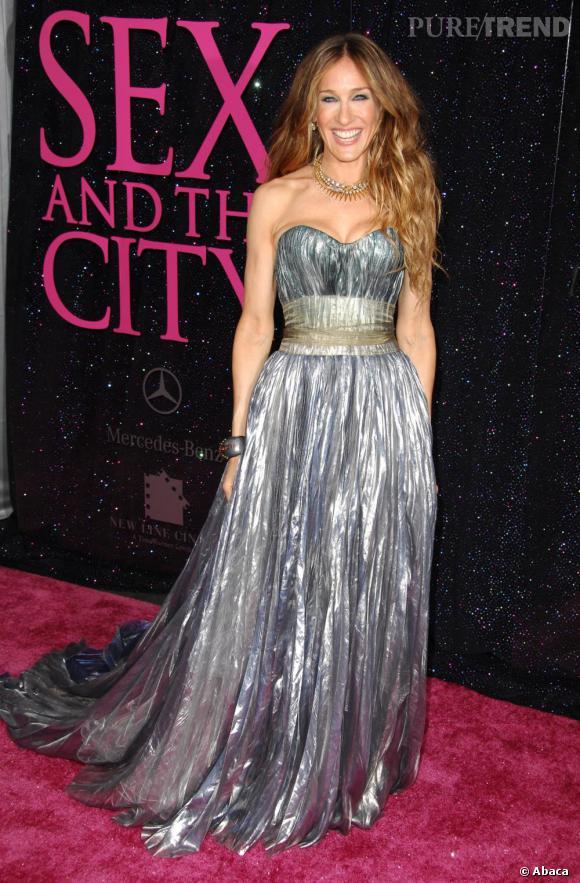 Pour la première du film Sex and The City à New-York, Sarah Jessica Parker confiait son allure à Olivier Theyskens et n'a pas eu à la regretter, elle était tout simlpement splendide dans cette robe Nina Ricci.