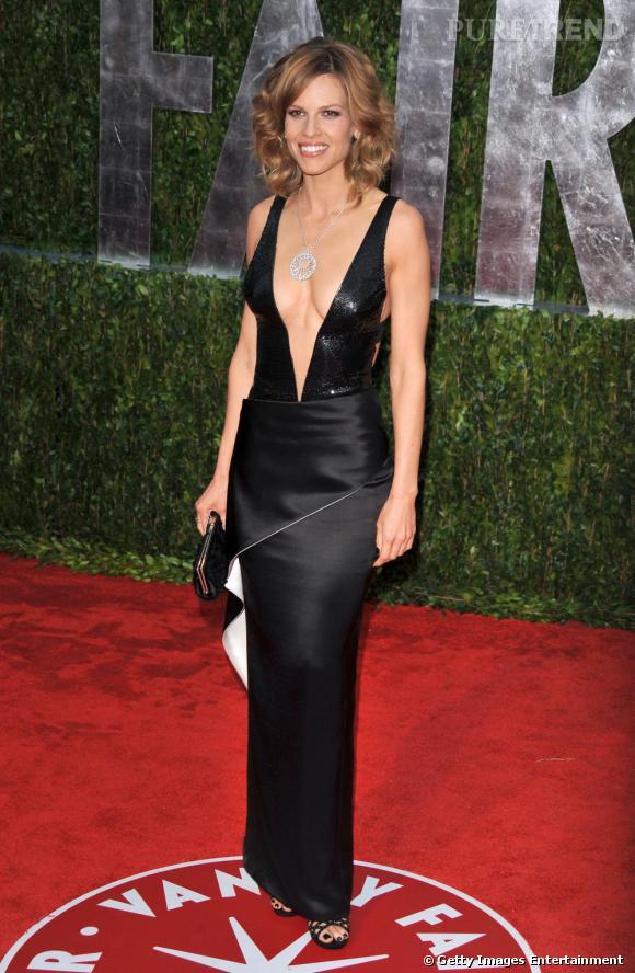 Hilary Swank, terriblement sexy sur le tapis rouge des Oscars 2010