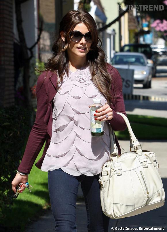 Ashley Greene, toujours aussi délicieuse dans les rues de Los Angeles