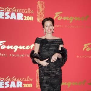 Sublime, Kristin Scott Thomas est des plus élégante dans cette petite robe noire.