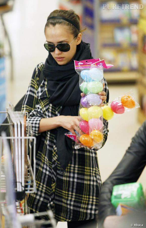 Jessica Alba lors de son shopping de Pâques à Beverly Hills