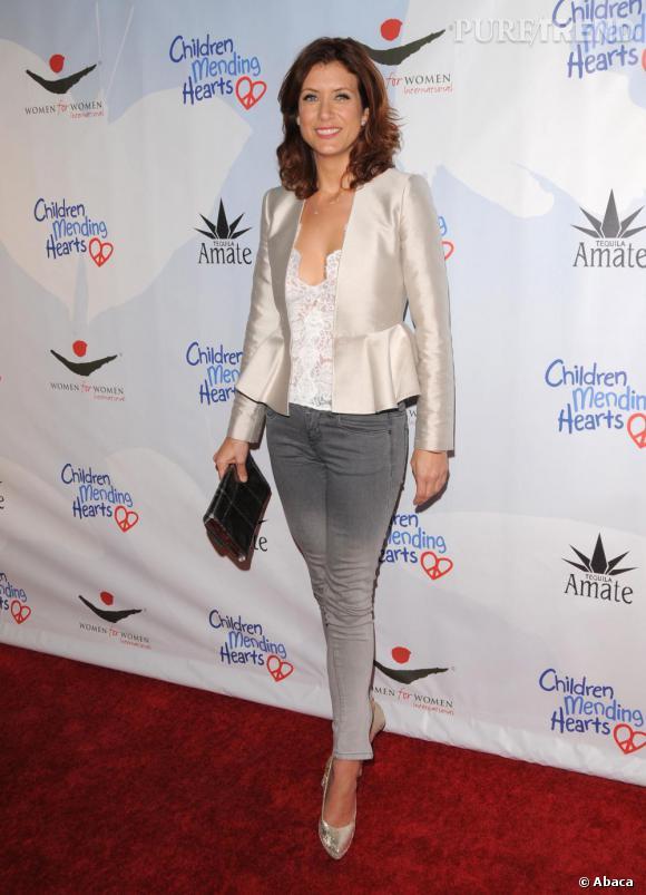 Version chic : avec une veste satinée Stella McCartey.