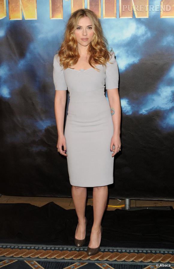 Scarlett Johansson en robe RM by Roland Mouret