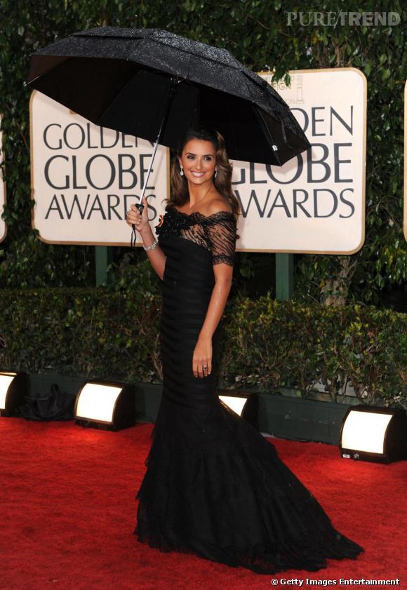 Penelope Cruz fait une apparition sculpturale aux Golden Globes