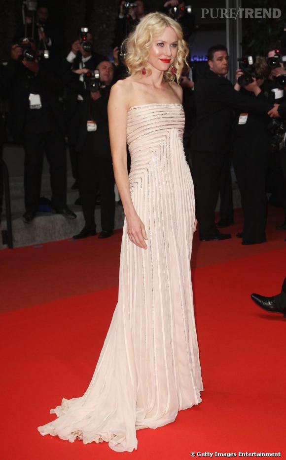 Naomi Watts simplement sublime en Gucci sur le tapis rouge du Festival de Cannes.