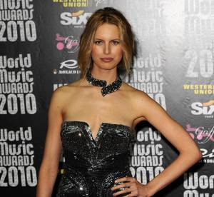 Karolina Kurkova : rock et sexy sur le rocher