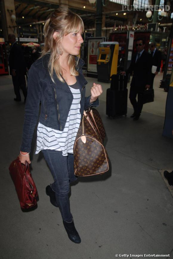 Sienna Miller ou le look casual chic