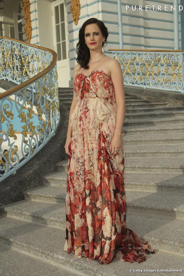 Eva green blouit en tsarine russe for Alexander mcqueen robe de mariage