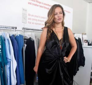 Jade Jagger, séduisante en robe nouée