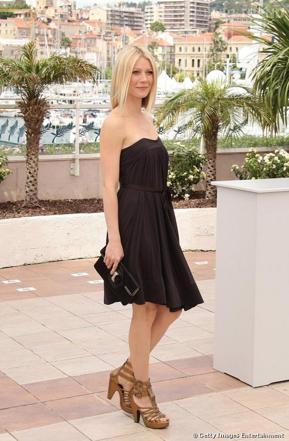 Pour Gwyneth Paltrow, la pochette est élégante et s'harmonise avec sa robe.