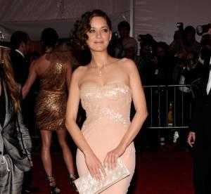 Marion Cotillard, Kate Moss, Drew Barrymore : l'accessoire indispensable des stars, la pochette