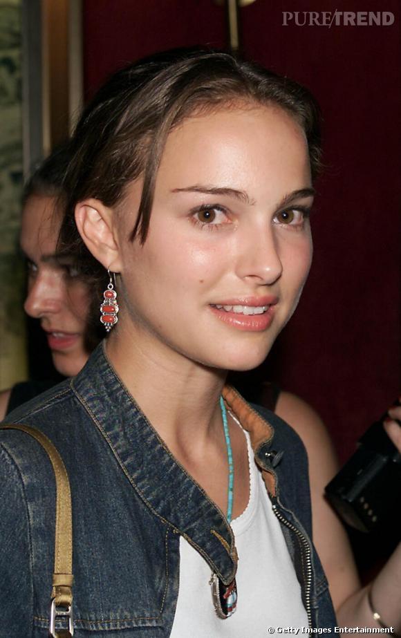 2001 : mèche rebelle un rien douteuse mais Natalie maîtrise enfin son émotion sous la lumière, le teint lumineux.