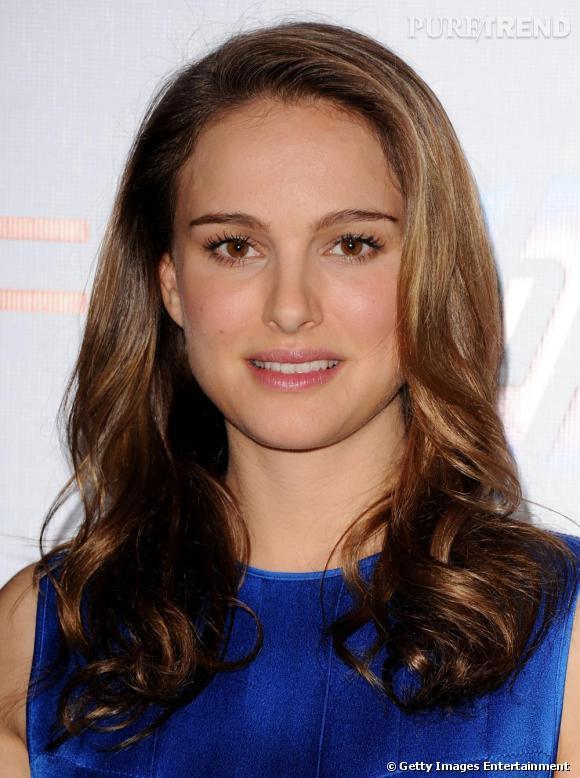 2011 : Cils allongés, pommettes rosées et lèvres légèrement glossées l'actrice est sublime de naturel