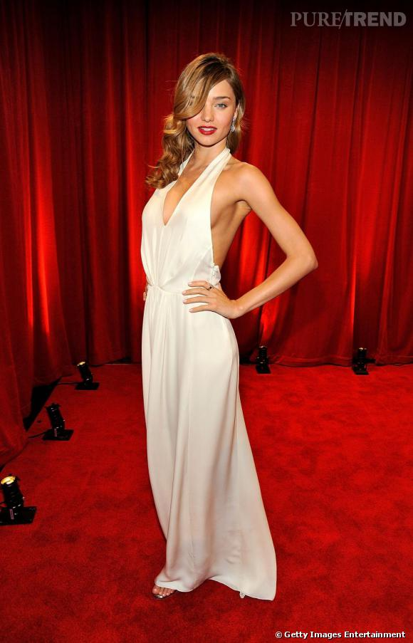 Miranda Kerr s'inspire de Marilyn sur le red carpet.