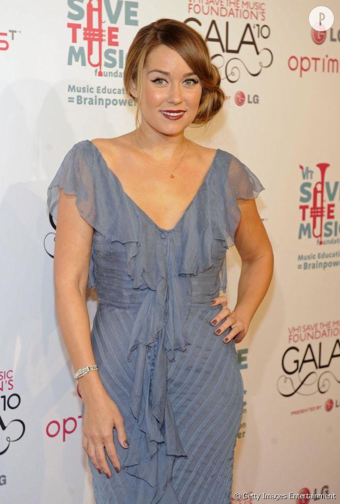 Lauren conrad au gala vh1 save the music foundation new for Ligne de robe de mariage lauren conrad