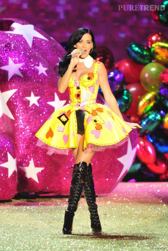 Katy Perry princesse pop chez Victoria's Secret.