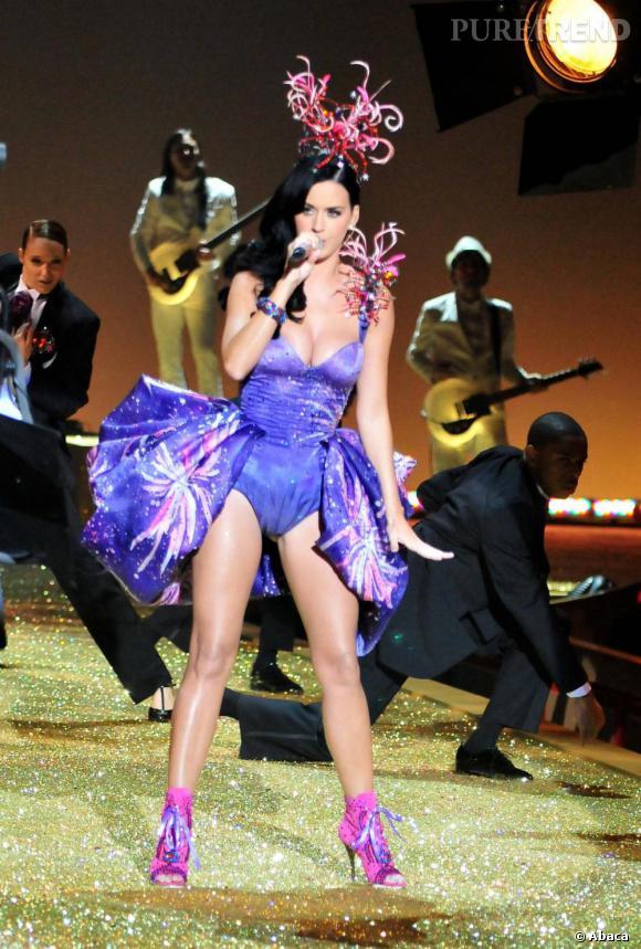 Barbie Katy sur le catwalk.