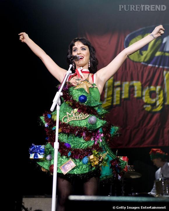 Pour Katy Perry, les fêtes de fin d'années, c'est une affaire sérieuse et premier degré.