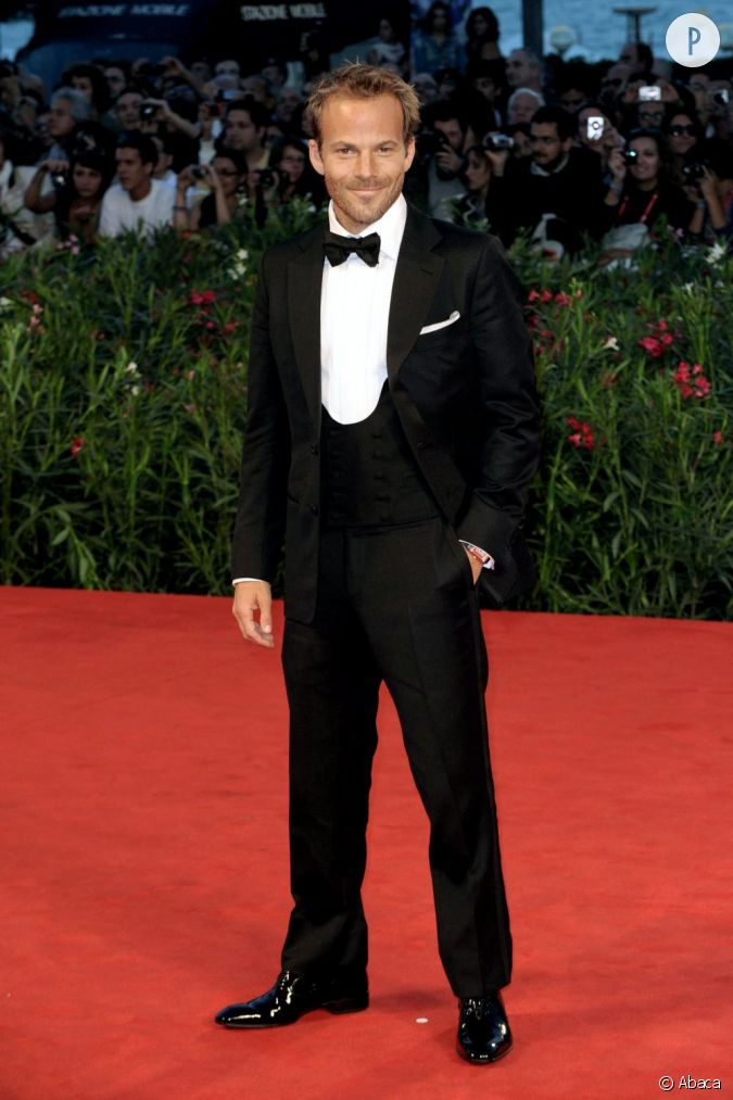 sur red carpet il n 39 h site pas jouer la carte james bond jusqu 39 au bout avec un smoking trois. Black Bedroom Furniture Sets. Home Design Ideas