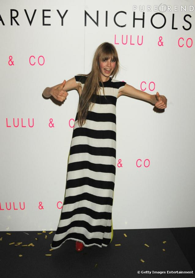 Edie Campbell, très Beetle Juice, au lancement de Lulu & Co chez Harvey Nichols à Londres.