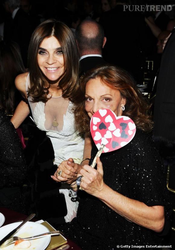 Carine Roitfeld et Diane Von Furstenberg n'ont pas l'air de s'ennuyer au gala de l'amfAR pré Fashion Week.