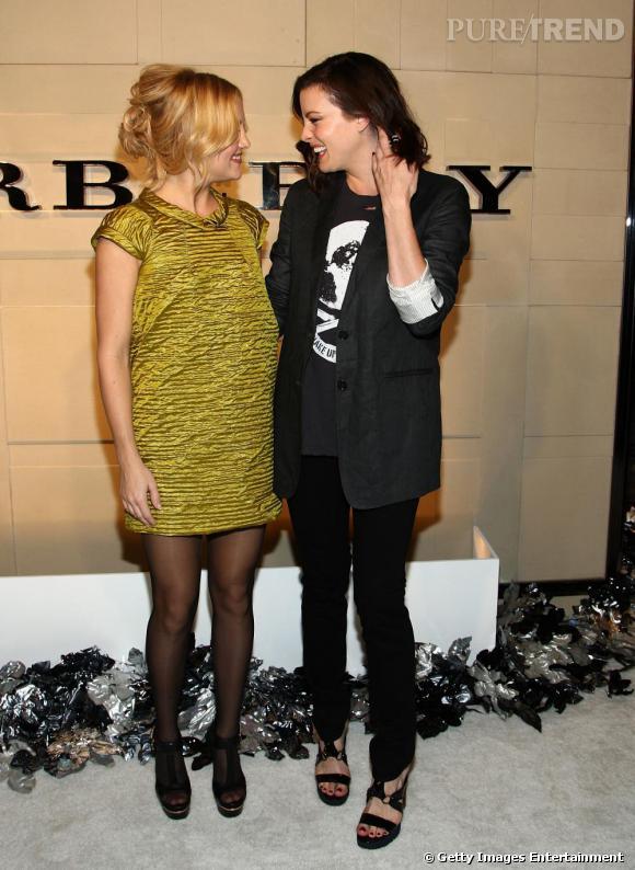 Amies d'enfance, Kate Hudson et Liv Tyler se quittent rarement. Côté style, l'une est plutôt colorée (Kate), l'autre plus dark.