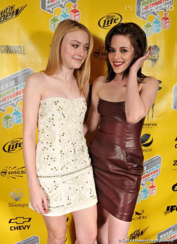 """Inséparables depuis """"Twilight"""" et """"The Runaways"""", Dakota Fanning et Kristen Stewart se disent """"meilleures amies"""". On préfère la fraicheur de Dakota."""