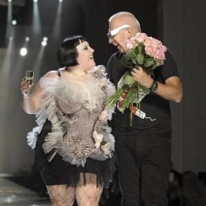 Beth Ditto, proche de Jean-Paul Gaultier a eu l'honneur de défiler pour la saison printemps-été 2011.