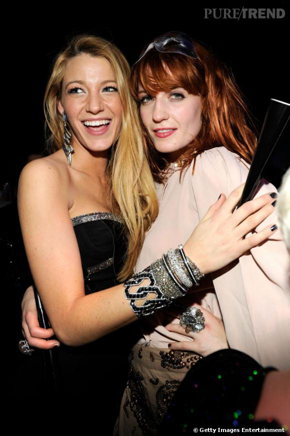 Blake Lively, plutôt que de trainer avec le cast Gossip Girl préfère les chanteuses décalées comme Florence Welch.