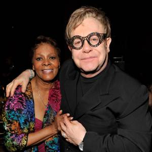 Sous les projecteurs : Elton John.