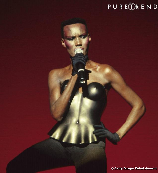 Grace Jones Son http://www.puretrend.com/media/grace-jones-et-son-bustier-en-fer_m516539