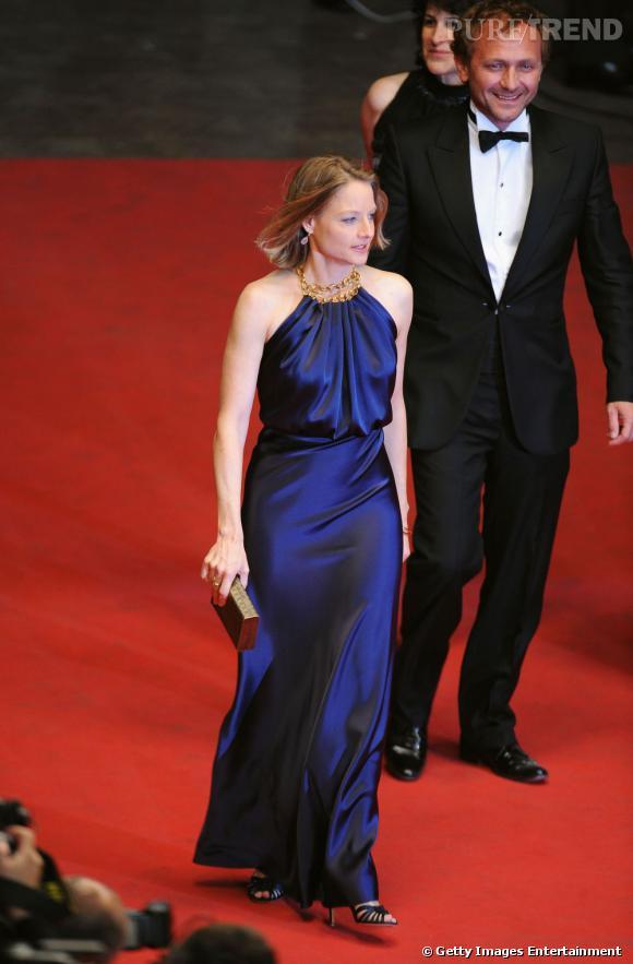 Jodie Foster dans une robe Balenciaga.
