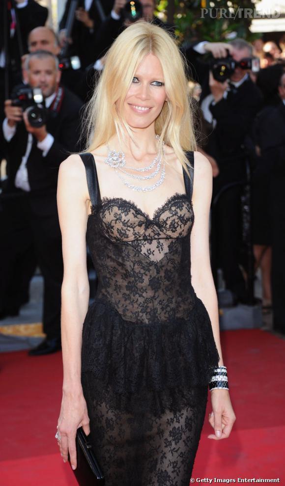"""Claudia Schiffer à Cannes pour la première de """"This Must Be The Place""""."""